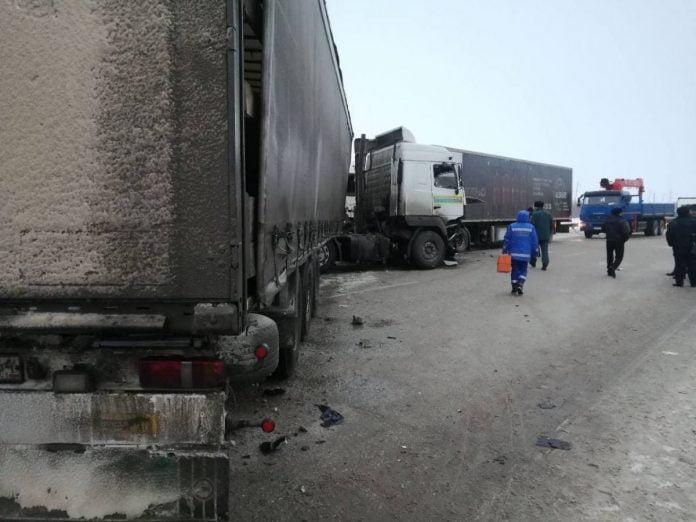 дтп под марксом - село раскатово - смертельная авария - погибла девочка - саратовская область